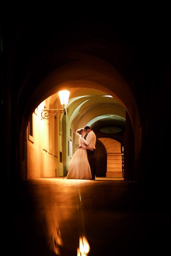 Destination wedding photo shoot in Prague _ pre wedding photoshoot