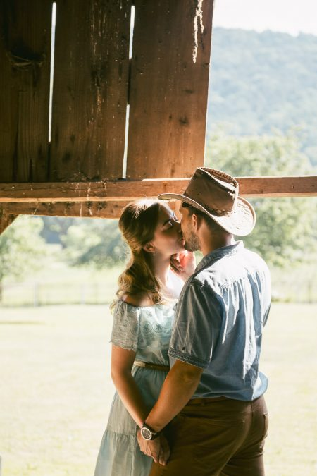 Awesome barn engagement session