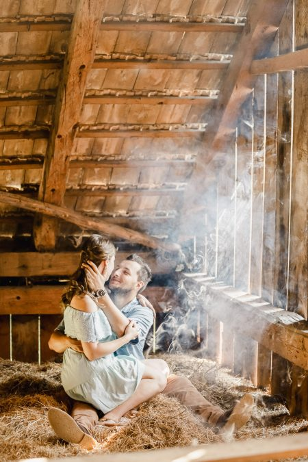 Awesome barn engagement session in old barn