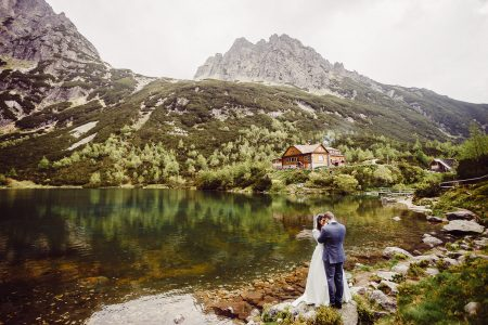 Destination wedding photoshoot Green Lake in High Tatras